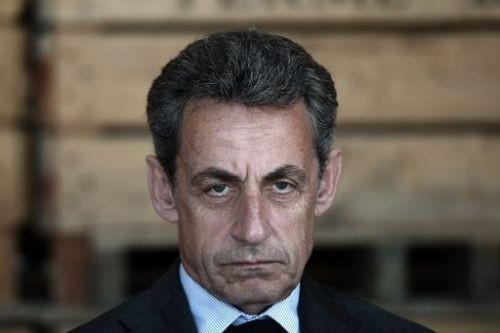 佛 사르코지 '카다피 돈' 수수혐의 구금