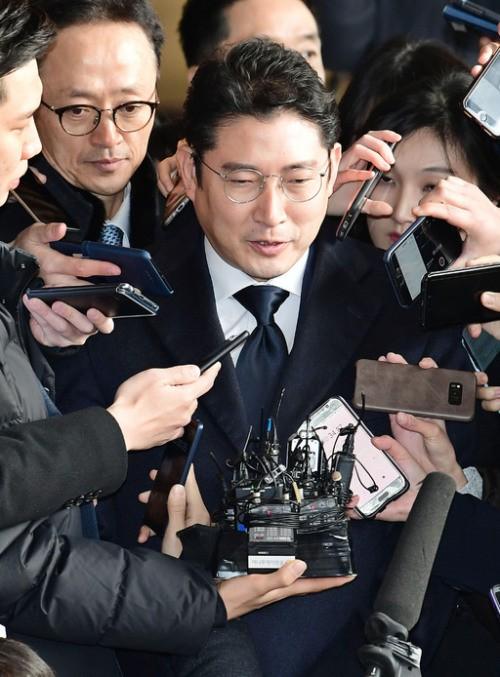 """檢 출석 효성회장 """"집안 문제로 죄송"""""""