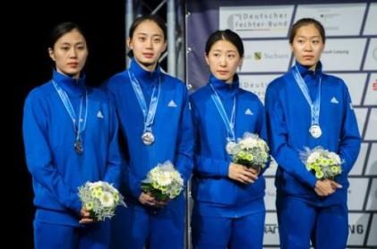 女 펜싱 세계선수권 사상 첫 사브르 단체전 銀