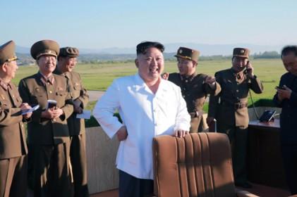 "G7 ""北, 핵 포기 않으면 제재 강화"""