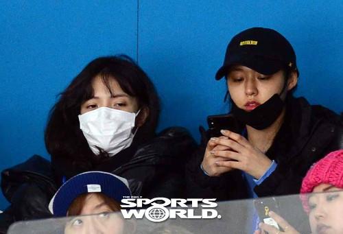 설현-지민,'여자컬링 응원 왔어요'