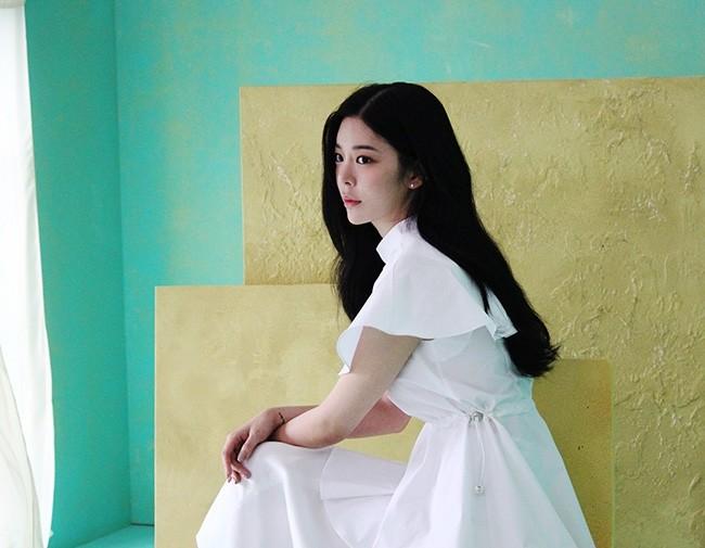 장재인, 18일 '엠카운트다운'서 신곡 '버튼' 공개…기타 잡고 무대 선다