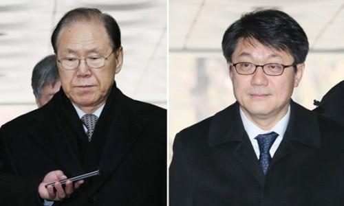 'MB 정부 국정원 뇌물' 김백준·김진모 나란히 구속