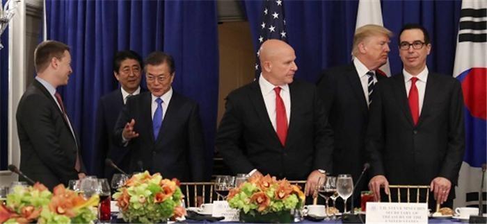 """한미일 정상 """"북핵 대응 긴밀 공조""""…중·러와도 협력"""