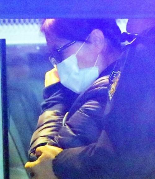 """징역 25년 구형에 최순실 '아아앗~'흥분 재판 휴정· 변호인 """"옥사하란 말이냐"""""""