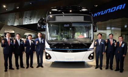 국내 최초 상용차 종합 박람회 '현대 트럭 & 버스 메가페어' 개막
