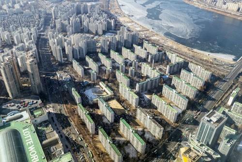 """""""최대 8억4000만원""""… 부담금 '폭탄' 강남 재건축 잡을까"""