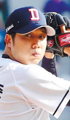 장원준, 8년 연속 두 자릿수 승리