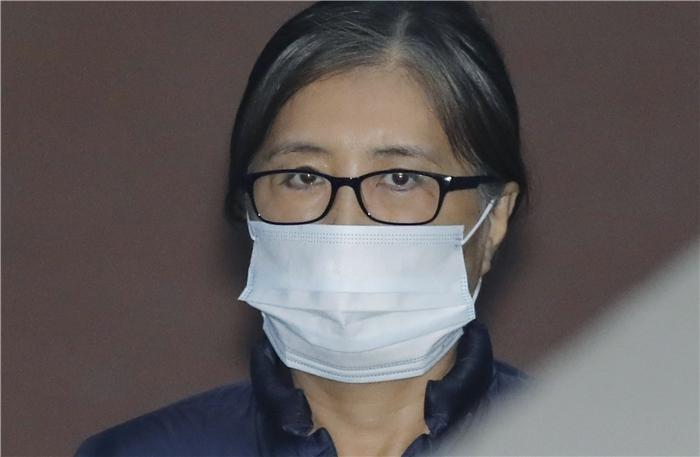 """법원, 최순실·안종범 구속기간 재연장 """"도망 우려"""""""