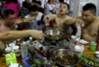 """금지됐다던 중국 개고기 축제…""""대성황"""""""