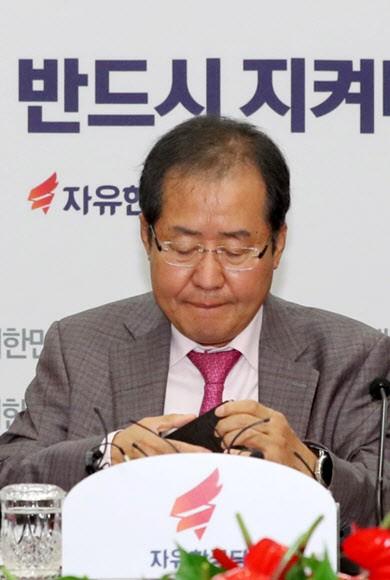 막말·색깔·극우 '흑역사' 재연…한국당 '적폐 유턴'
