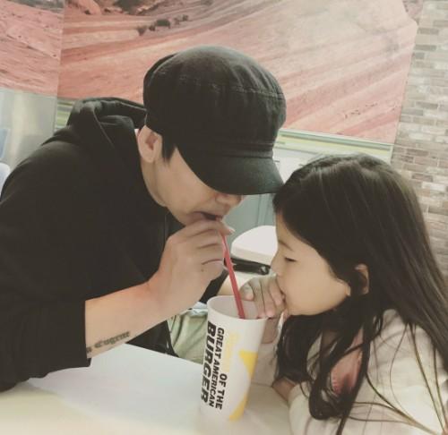 """양현석, 붕어빵 딸과 다정한 일상…""""아빠 닮아 미안해"""""""