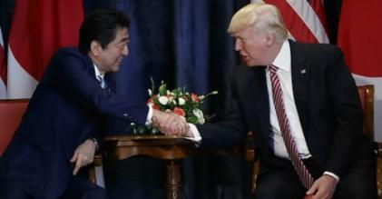 """트럼프, 아베에게 """"北핵문제 해결된다, 내기해도 좋다"""" 큰소리"""