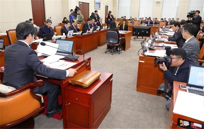 5.18 특별법, 한국당 반대로 의결 '무산'