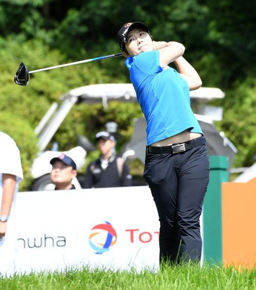 지은희, 대만챔피언십 트로피 거머쥐며 8년만에 LPGA 감격의 우승