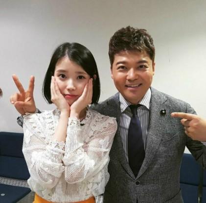 """아이유, '판타스틱듀오2' 출연 인증샷…""""열일한 지은이"""""""
